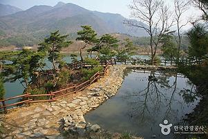 맑은 물이 있는 둔율올갱이마을 캠핑 [웰촌]_산막이옛길.jpg