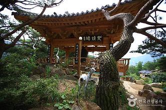 지리산 자락에서 즐기는 캠핑여행_서암정사.jpg