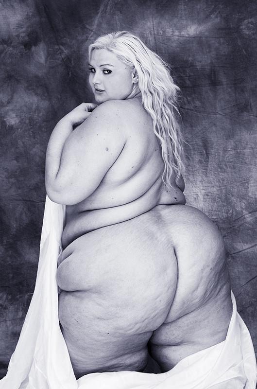 femalenude7.jpg