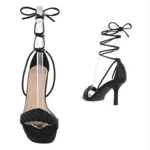 Black heels met touwtjes