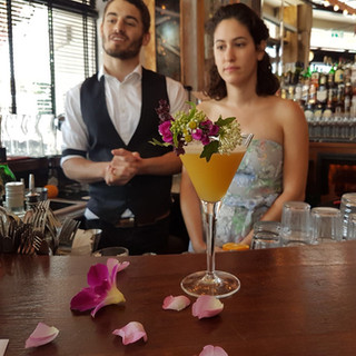 עמדת קוקטיילים פרחים לטבע אירועים