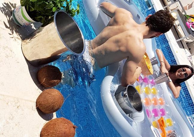 סדנת קוקטיילים בבריכה