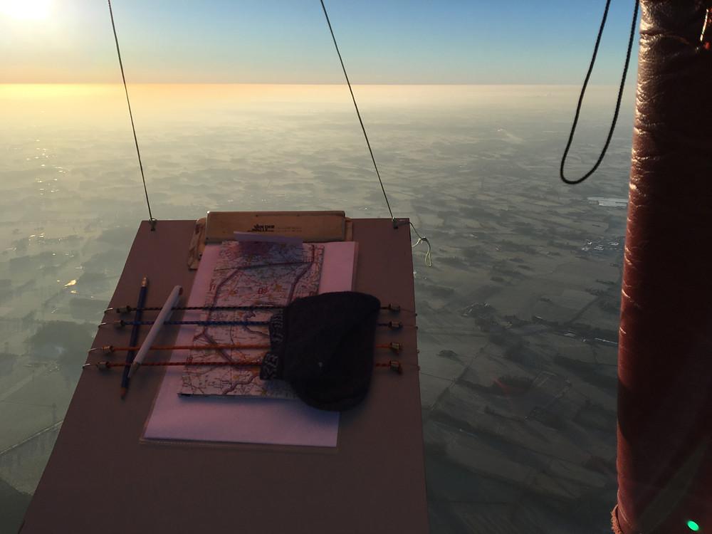 Navigationsbrett in 3000m Höhe bei unserer Ballonfahrt