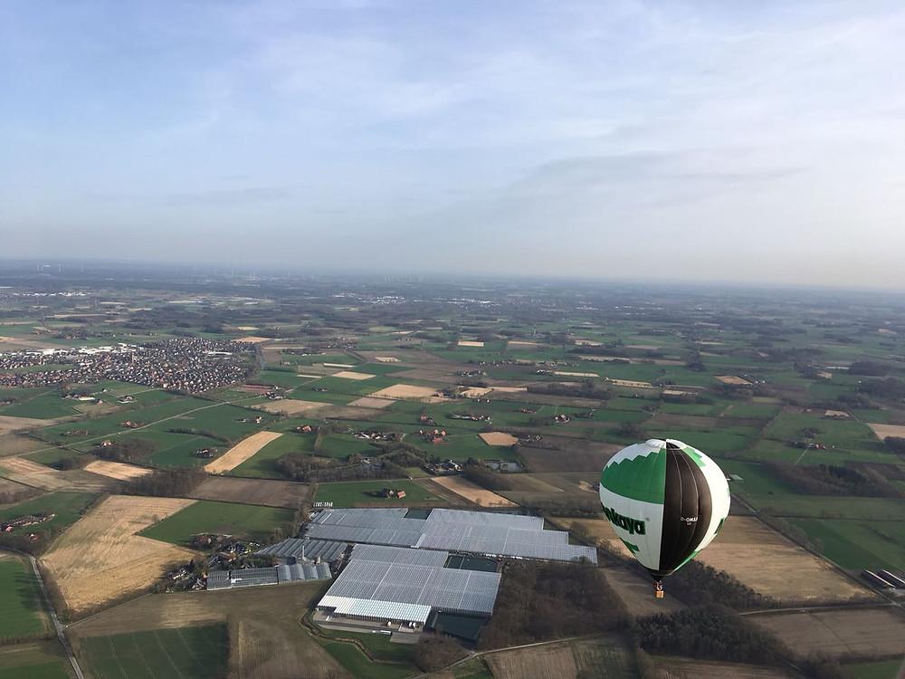 Hoch im Heißluftballon: Die Himmelsriesen unterwegs mit zwei ballonen