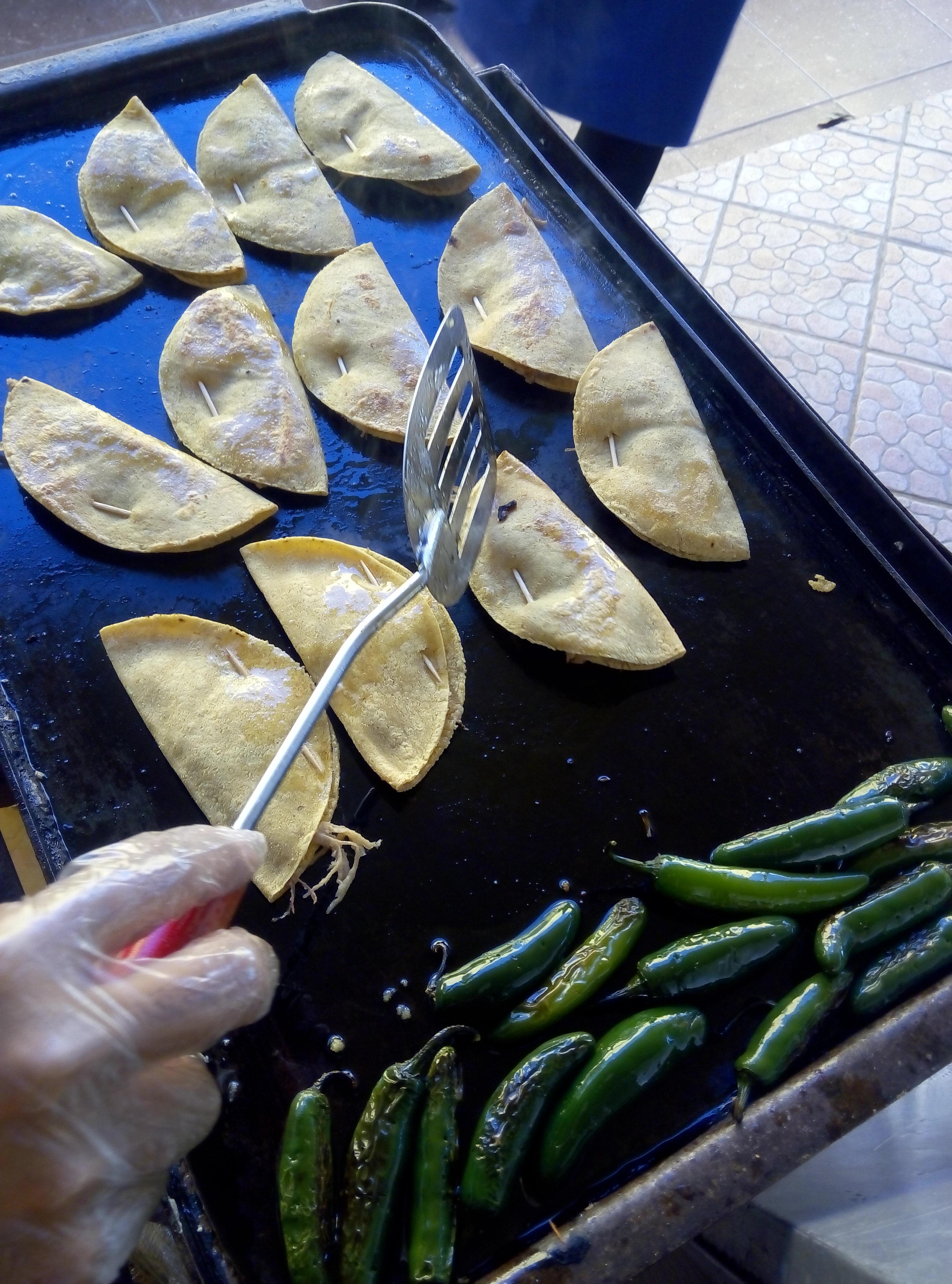 Antojitos Mexicanos / Taco Dorado
