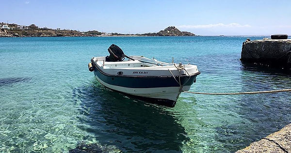 mykonos barca 1.jpg