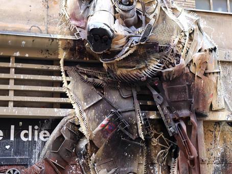 The Big Bear l'opera 3D di Bordalo II che è arte ecologica a favore dell'ambiente