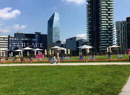 Piazza Gae Auelenti e BAM: Milano si trasforma in Lido!
