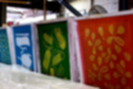 Bright coloured screens for printing on textiles or papers