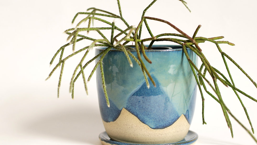 Deep blue glaze planter