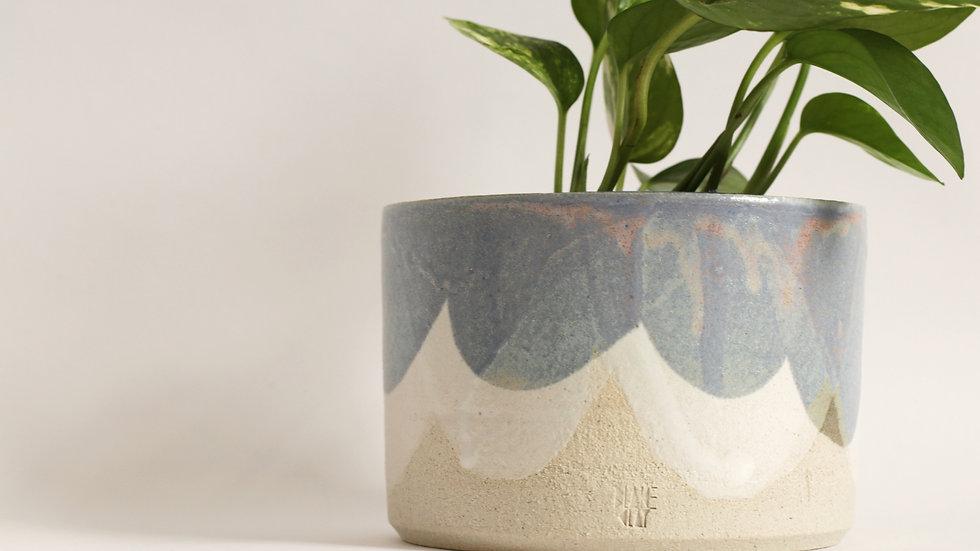 Blue and white glaze planter