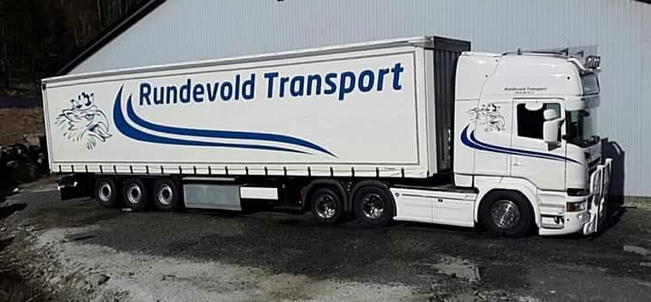 Bil fra Rundevold Transport
