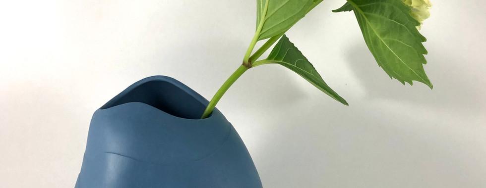 Serenity Vessel - large blue (2020)