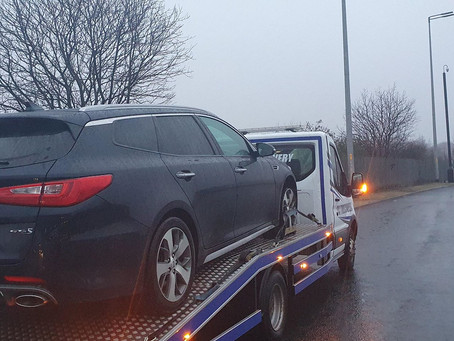 Car Breakdown Recovery | Birkenhead to Wirral | KIA Optima Tyre Blow Out No Spare Wheel | CR&R 24hr