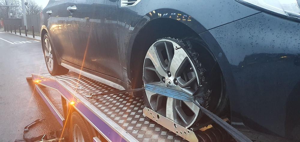 KIA Optima tyre blow out no spare wheel