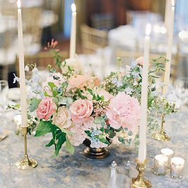Stunning table centrepieces, so soft and