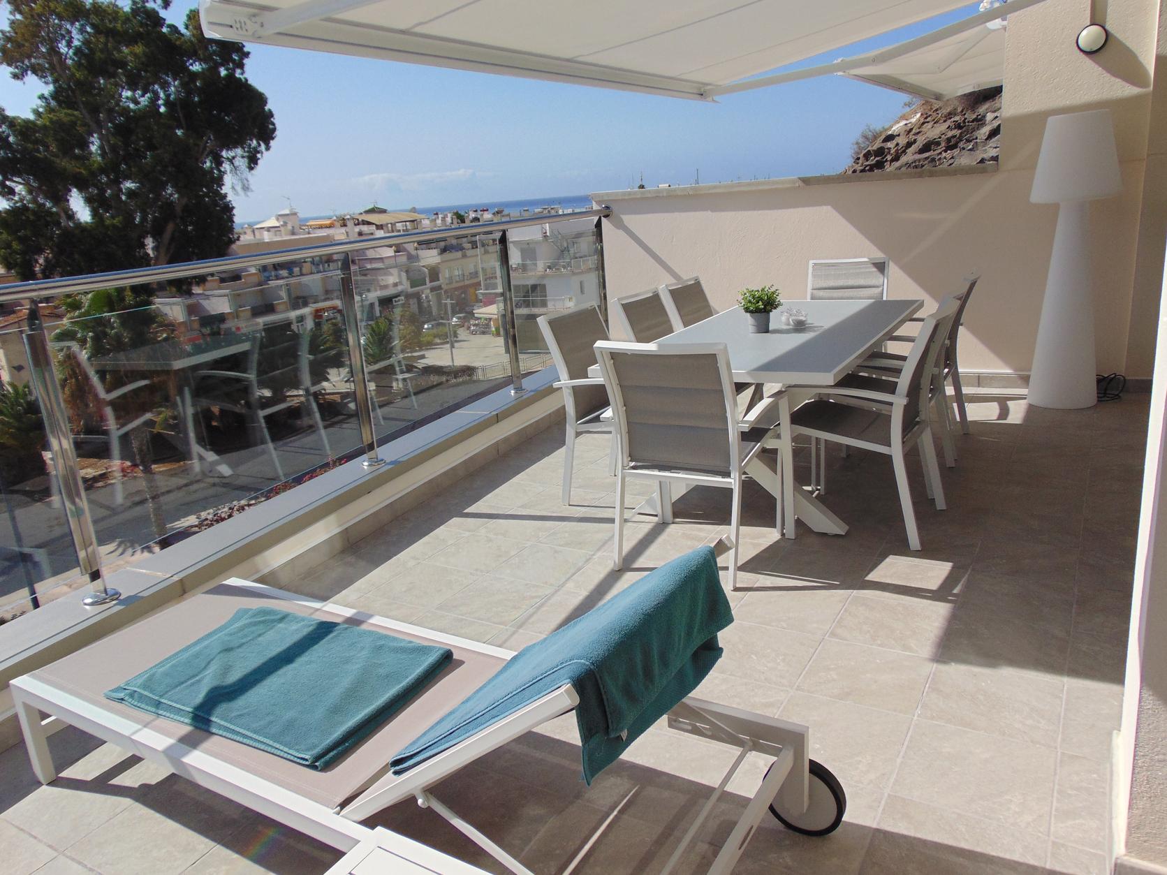 terraza vista a la mesa