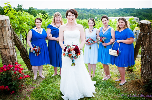 Rustic wedding at Vinoklet Winery