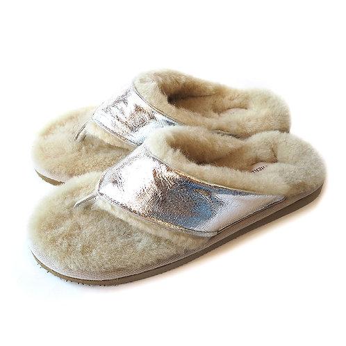 Lammfell Flip Flops by Shepherd