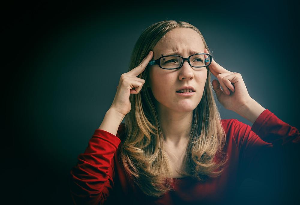Le physiothérapeute donne des conseils et des informations sur le système vestibulaire