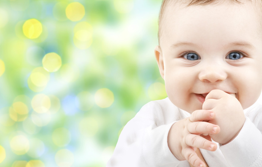 Les bienfaits du massage chez le jeune bébé