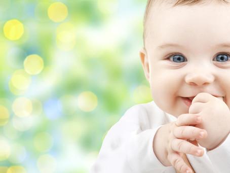 5 bienfaits méconnus du massage chez le jeune bébé