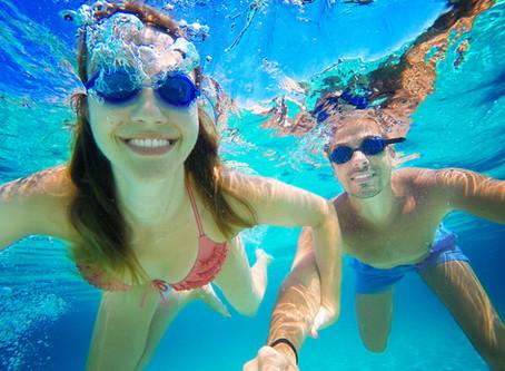 Vous serez étonnés par ces bienfaits de la piscine sur vos articulations et vos douleurs