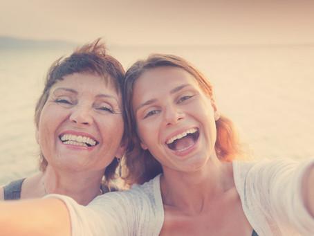 Comment prévenir le vieillissement: trucs et conseils à partager avec sa mère.