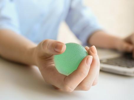 Arthrite: comment prévenir et limiter les déformations aux doigts et aux mains