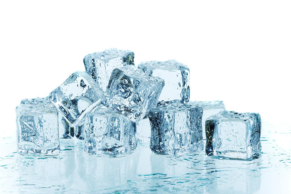 Le physiothérapeute vous donne des conseils pour utiliser la glace lorsque vous avez mal