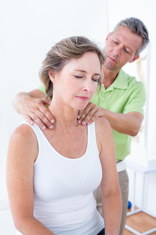 Les conseils du physiothérapeute Denis Fortier sur les douleurs cervicales
