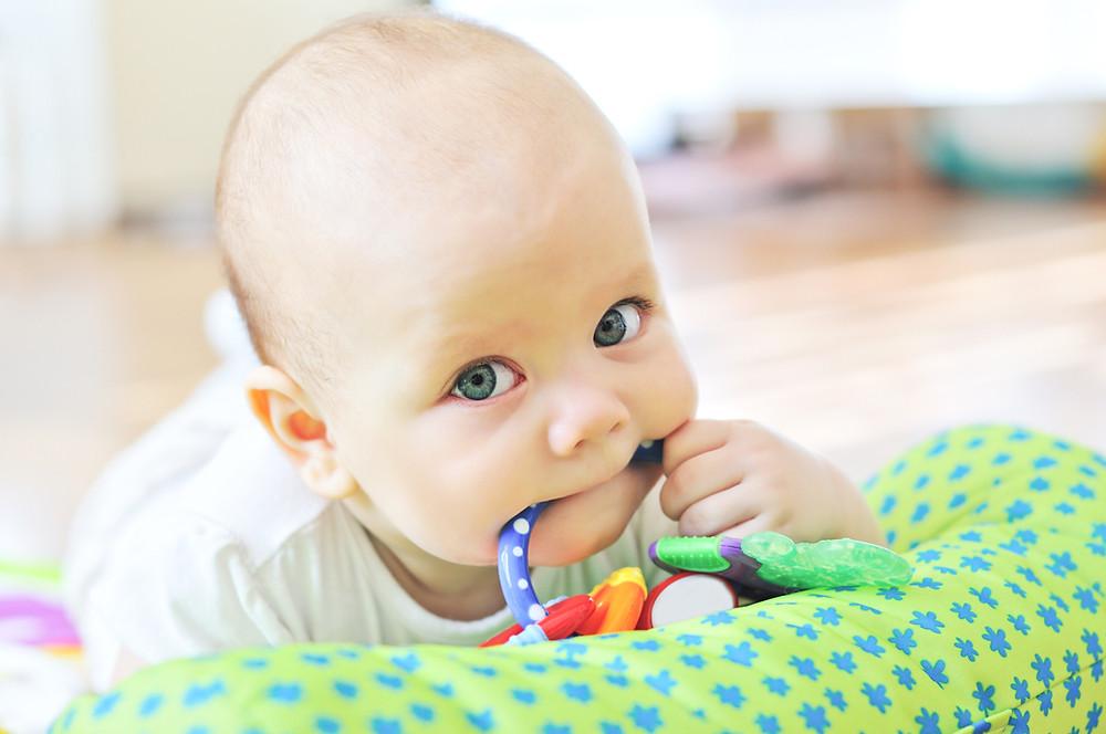 Conseils d'un physio: le développement moteur, les jouets et les physiothérapeutes