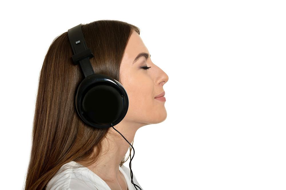 Les conseils du physiothérapeute concernant les bienfaits thérapeutiques de la musique sur la douleur