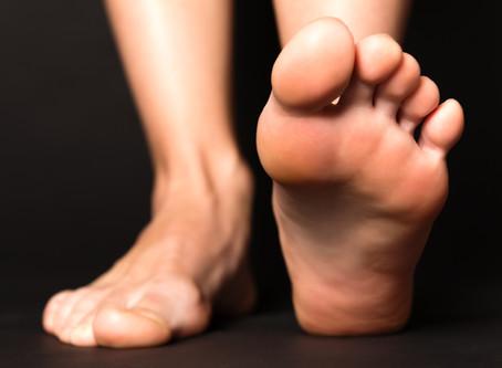 Voûte plantaire, pieds plats et blessures mal guéries : précisions et conseils