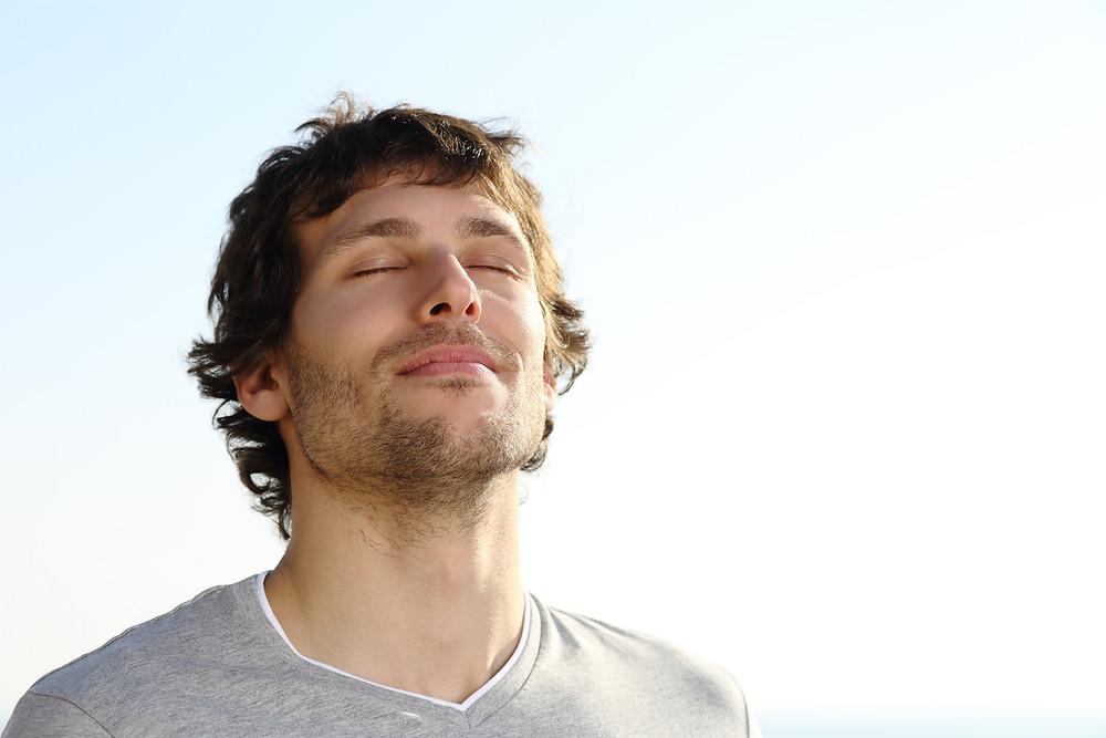 Des conseils et des exercices du physiothérapeute Denis Fortier pour mieux respirer