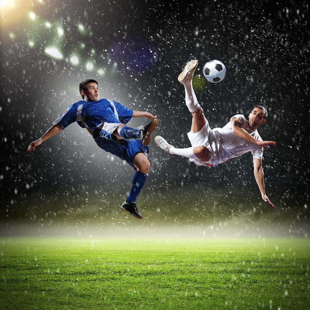 Le physiothérapeute donne des conseils pour prévenir les blessures au soccer