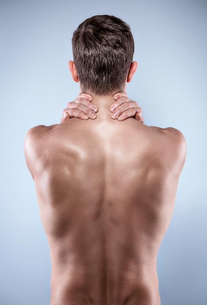 Le physiothérapeute Denis Fortier vous propose des conseils et des exercices pour soulager les douleurs entre les omoplates