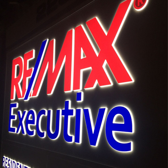 Push-Thru Acrylic Letters with Aluminum Sign Face for ReMax