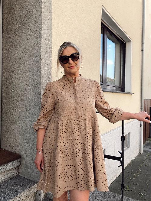 NOELLA - Kleid mit Lochstickerei 29ALEXADRESSCOTTON0621