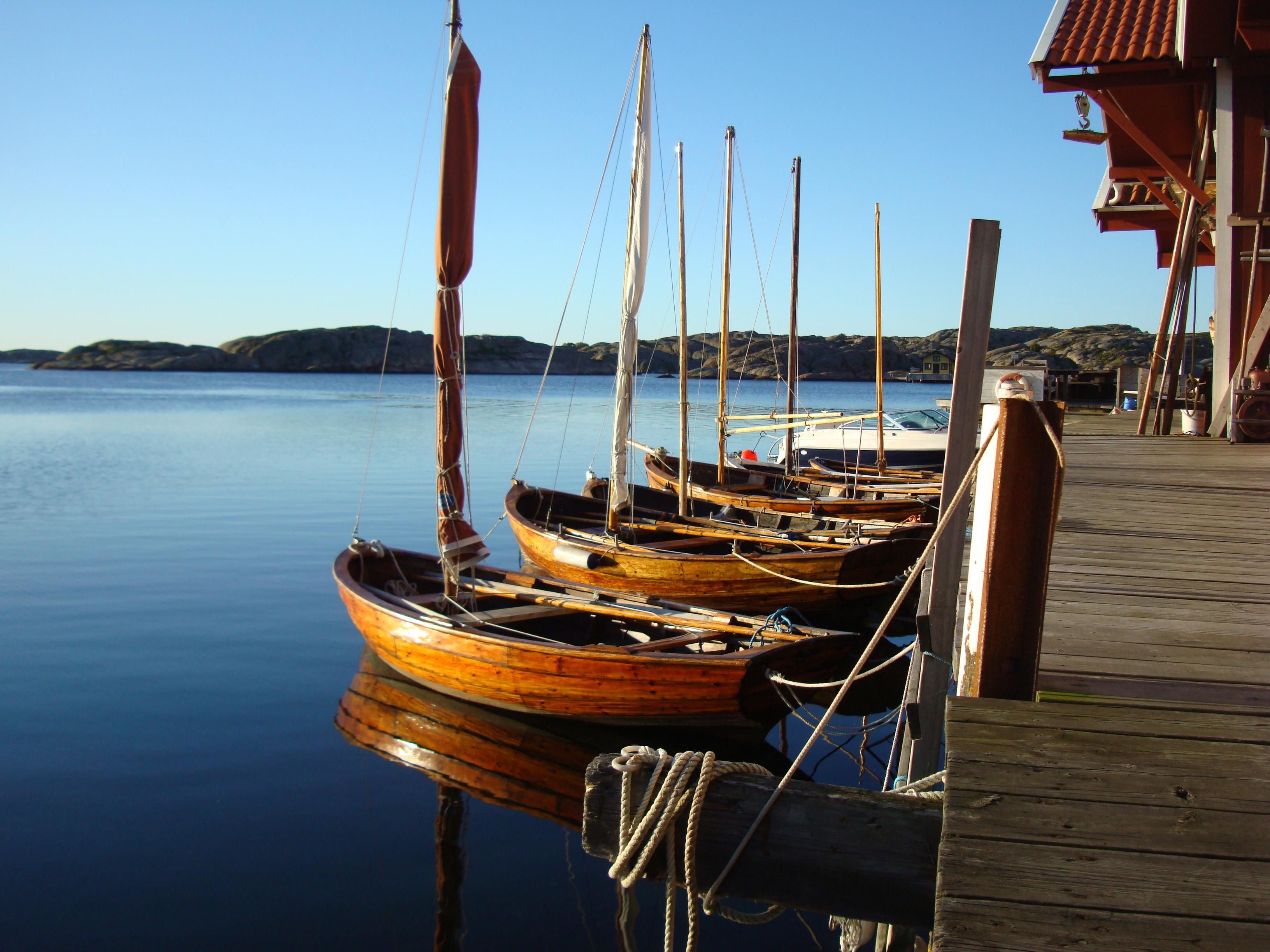 Tollar & Sail