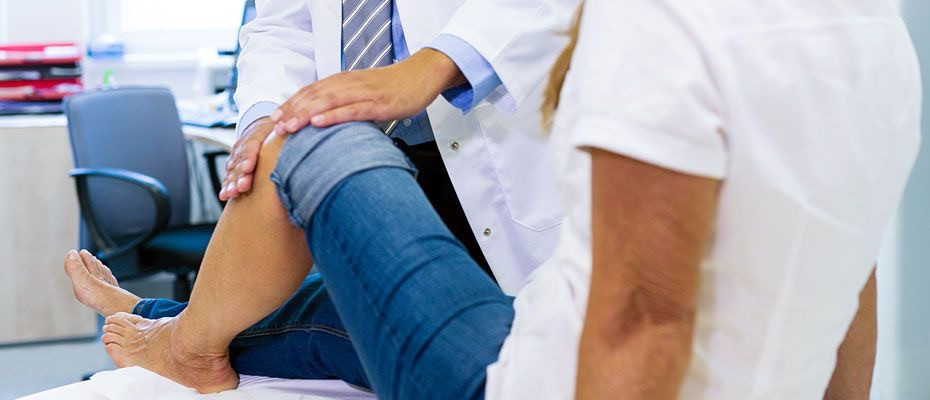 Platelet-rich plasma injections delay the need for knee surgery