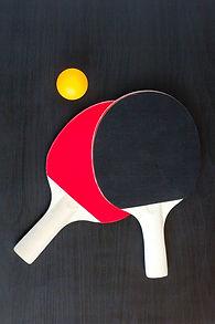 dos-raquetas-tenis-mesa-o-ping-pong-pelo