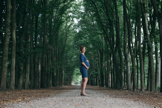 Zwangerschaps fotoshoot Lage Vuursche