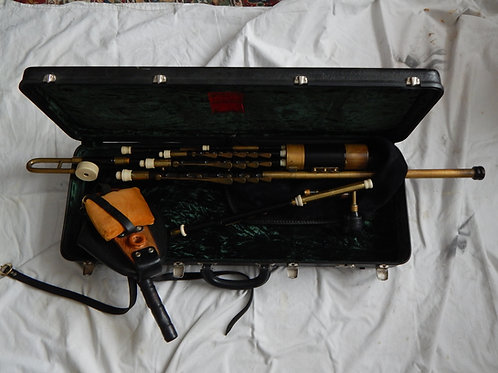 Roberts Uilleann Pipes,  Full set  Concert Pitch