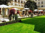 Отель Франция - Le Bristol 5.jpg