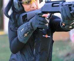 7V Gloves & Vest - shooting3-min