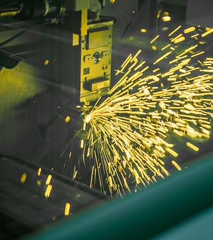 Wij maken gebuik van geavancerd laser apparatuur