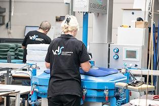 De C-Gex zorgt voor een nette afwerking van een zitting of rug