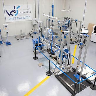 In de testruimte testen wij uw product of het voldoet aan alle normen en eisen zoals de ISO, BIFMA en NEN norm.