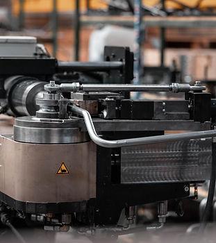 Een buigmachine zorgt ervoor dat metaal in iedere vorm gebogen kan worden
